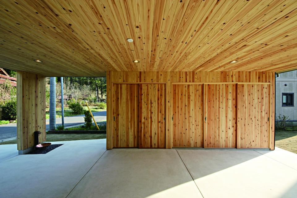 杉板・収納内壁、軒下天井